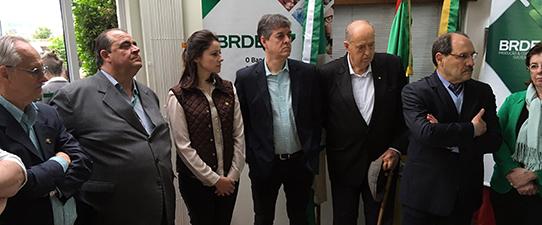 BRDE firma contratos de mais de R$ 43,5 milhões com cooperativas gaúchas
