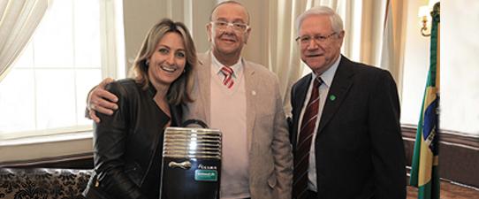 Federação Unimed RS recebe homenagem da Federasul por seus 45 anos