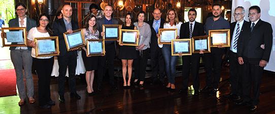 Jornalistas recebem o Prêmio Cooperativismo Gaúcho de Jornalismo 2017