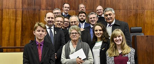 Cooperativas escolares lotam Plenário da Assembleia Legislativa e apontam desafios