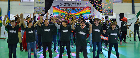 Cooperativismo inspira desafio cultural entre escolas