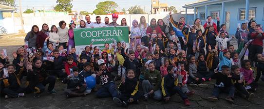 Escola Monteiro Lobato, de São José do Norte, recebe ação social para comemorar o Dia C