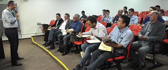 Técnicos da Emater participam de Seminário do Cooperativismo