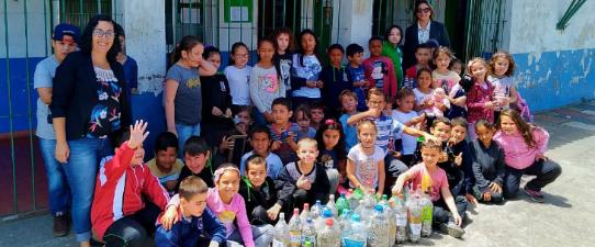 Escolas beneficiam Campanha Eu Ajudo na Lata