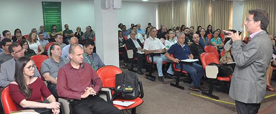 Escoop promove palestra sobre excelência na gestão