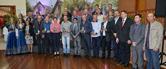 Cooperativas recebem Prêmio Destaque da Economia de Teutônia
