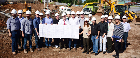 Diretoria da Unimed Vale do Sinos visita obras do novo hospital