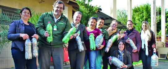 """Participantes do """"Práticas de Sustentabilidade"""" fazem doação de lacres e EcoPila"""