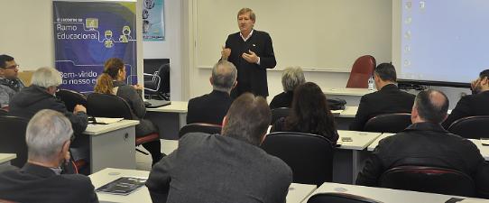 Cooperativas debatem sobre Gestão e Inovação do Negócio Educacional