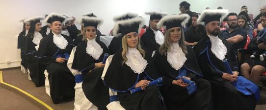 Formandos do Curso Superior de Gestão de Cooperativas recebem diploma da Escoop