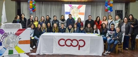Santa Lúcia do Piaí sedia primeira cooperativa escolar do município