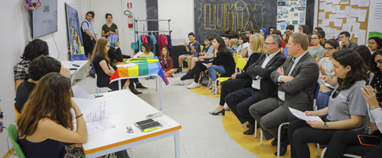Primeira cooperativa escolar de Porto Alegre inicia atividades