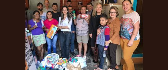 Unicred Porto Alegre faz entrega de doações à ONG Via Vida