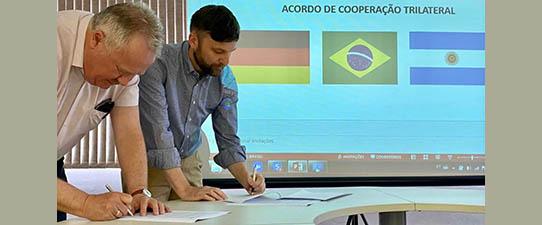 Escoop promove atividades de integração com comitiva alemã