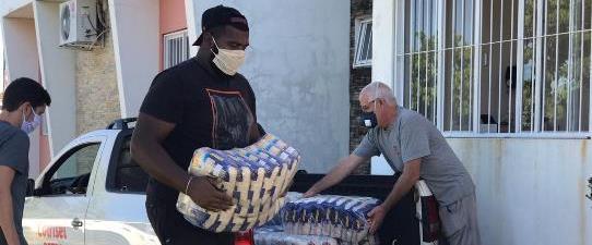 Cotrisel realiza doação de mais de uma tonelada de arroz para enfrentamento do Coronavírus