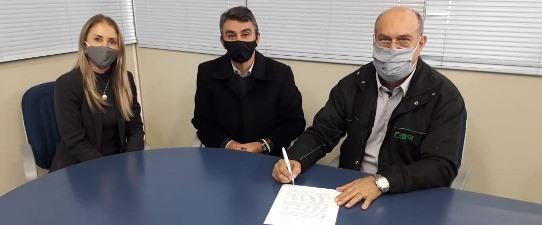 Sicredi Botucaraí RS/MG e Cerfox renovam parceria no Programa A União Faz a Vida