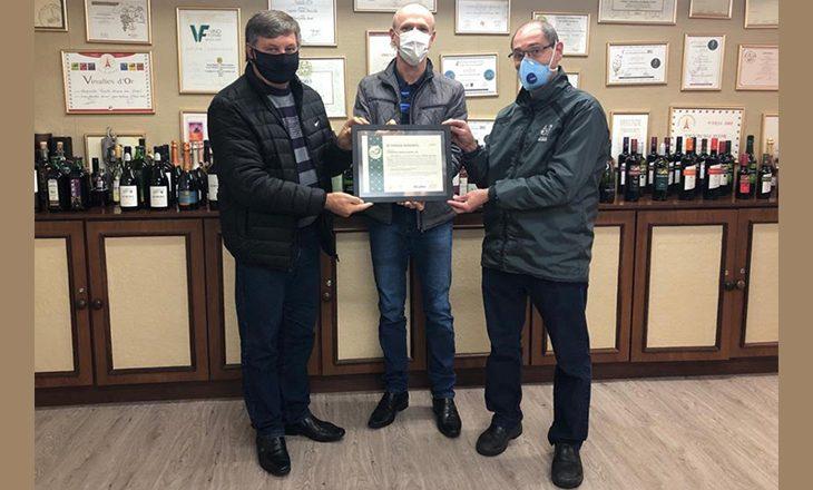 Vinícola Aurora recebe certificação internacional por redução de CO2