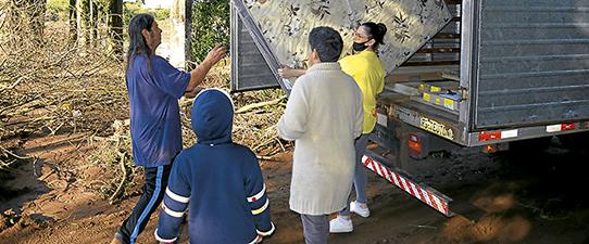 Certel realiza doações para famílias atingidas por enchente no Vale do Taquari