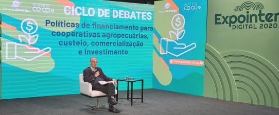 Políticas de financiamento das cooperativas ao agronegócio é tema de debate