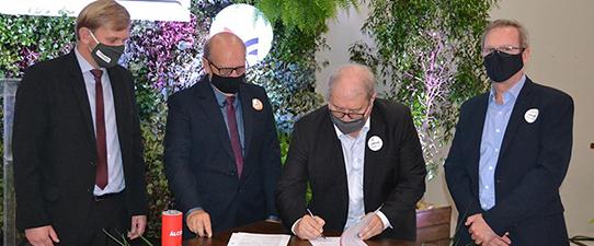 Cotrijal e Languiru oficializam nova parceria de negócios