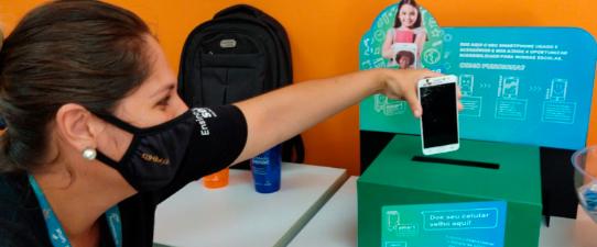 SmartEscola promove inclusão digital para estudantes de escolas públicas