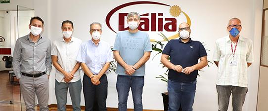 Dália embarca em março primeiro contêiner de frango com Selo Halal