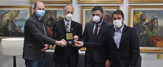 Ocergs recebe medalha da 55ª Legislatura da AL/RS